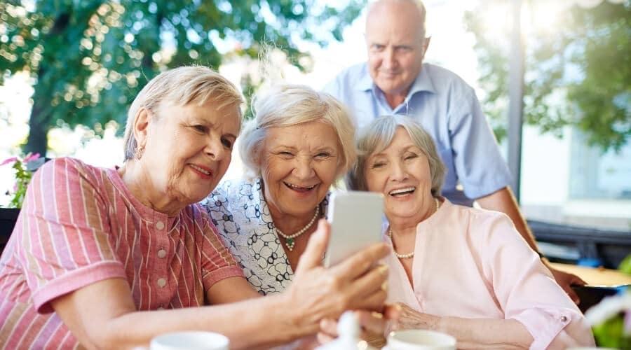 הגעתם לגיל שאפשר להתחיל… לקבל החזר מס לגיל הזהב!
